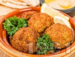 Пържени бобени кюфтенца с ленено семе, морков, магданоз и царевично брашно - снимка на рецептата